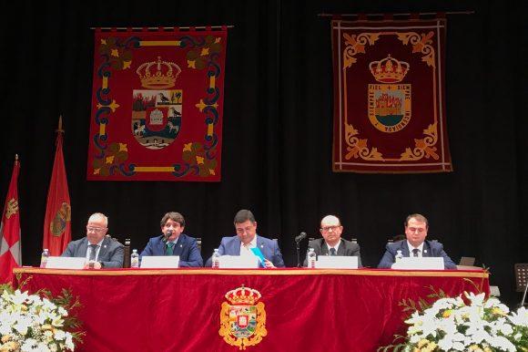 ARENAS DE SAN PEDRO ACOGIÓ LA XIV ASAMBLEA GENERAL DE LA INSTITUCIÓN GRAN DUQUE DE ALBA.