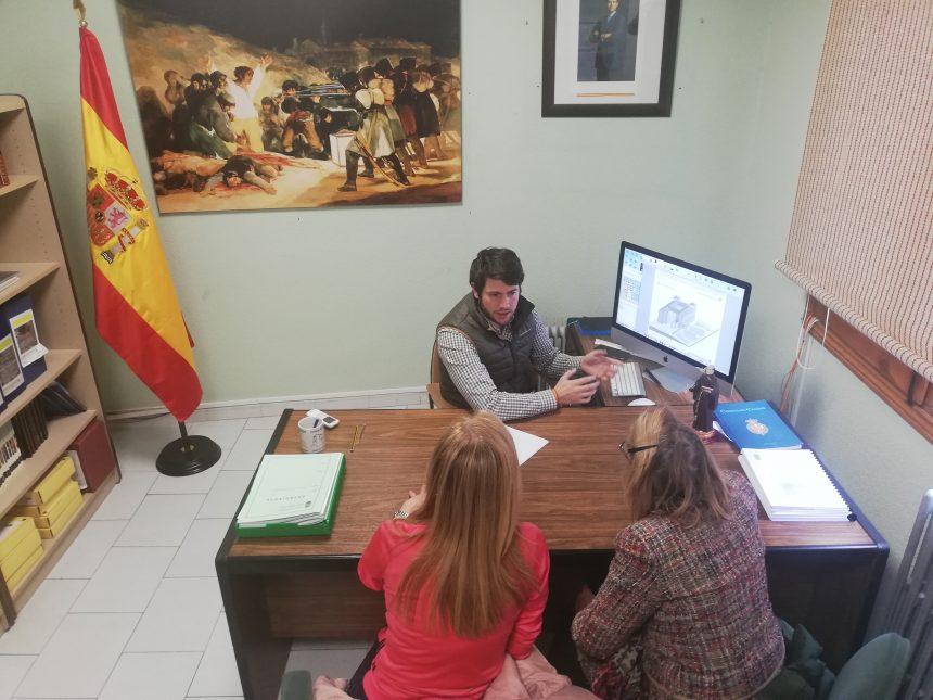 REUNIÓN CON LA ASOCIACIÓN AMIGOS DEL PALACIO DE LA MOSQUERA PARA TRABAJAR SOBRE EL PROYECTO DEL PALACIO DEL INFANTE.