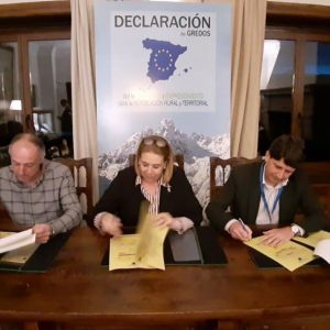 ARENAS DE SAN PEDRO FIRMA LA DECLARACIÓN DE GREDOS POR LA REPOBLACIÓN Y EL EMPRENDIMIENTO RURAL